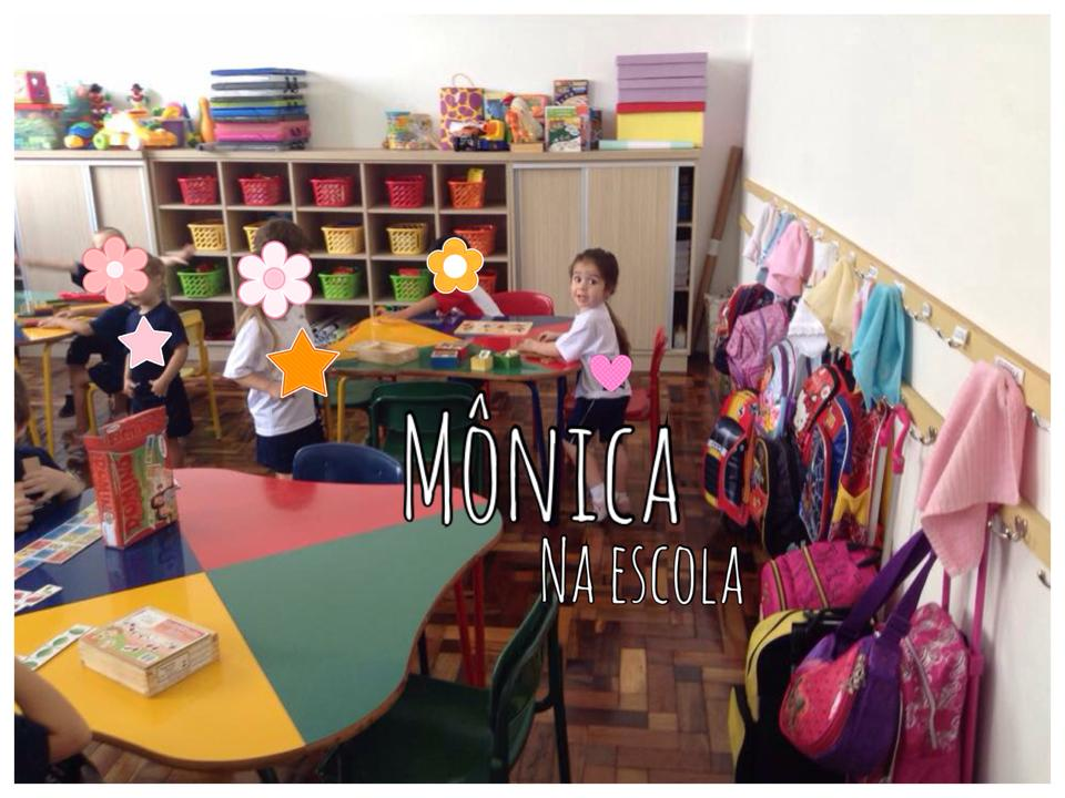 Monica na escola
